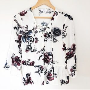 Tilly's Ivy + Main Floral Top Size Small
